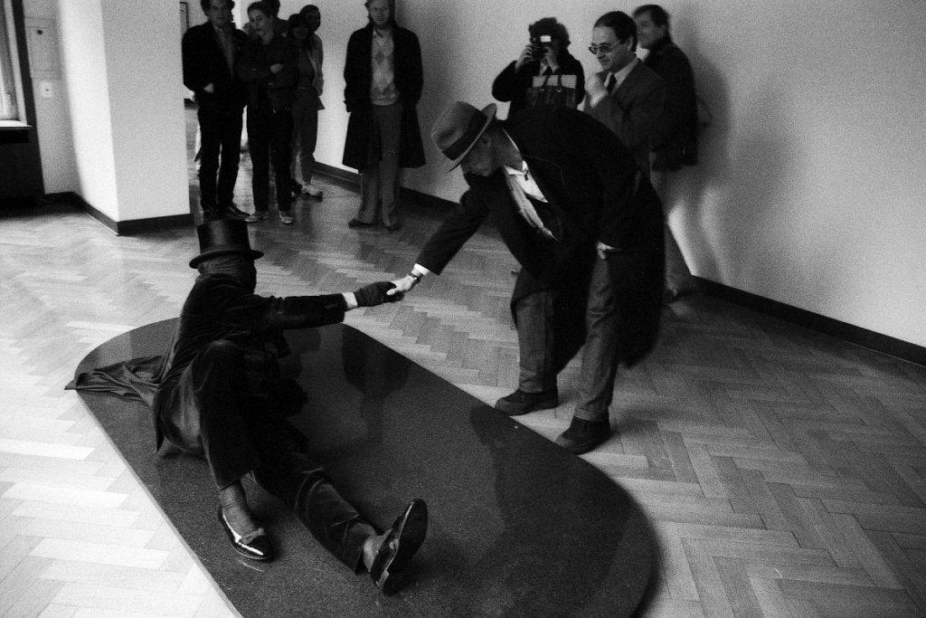 """Both"" - James Lee Byars und Joseph Beuys (1)"